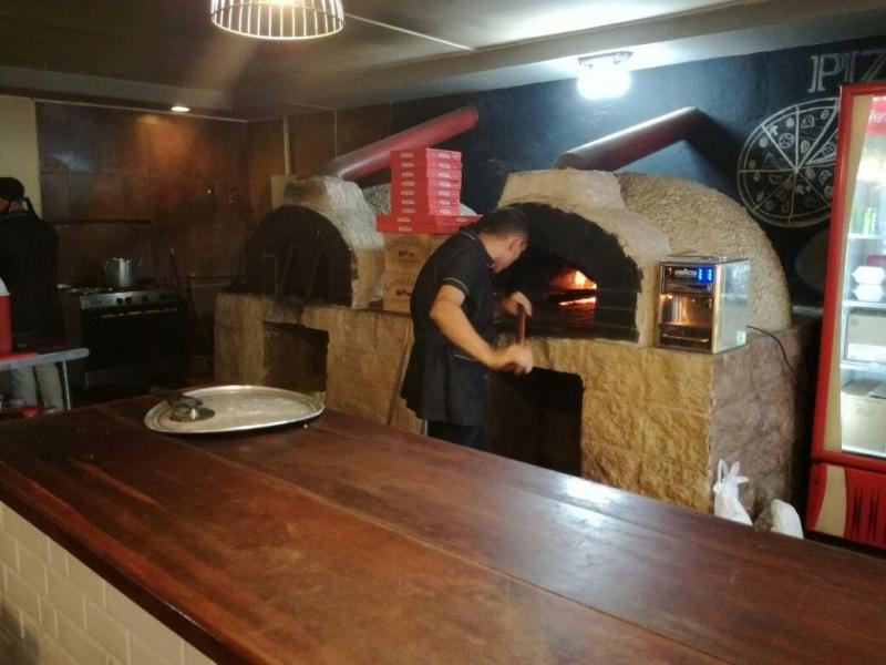 Pizzería a Leña