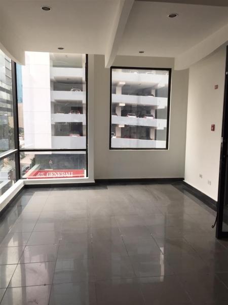 """Oficina en alquiler en Obarrio """"Plaza 54"""""""