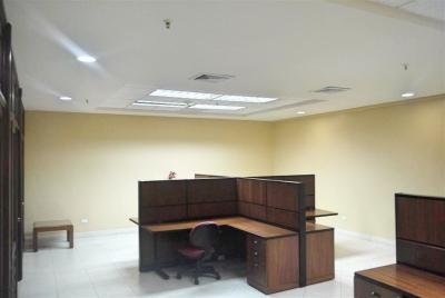 Oficina el alquiler en Torres de las Américas