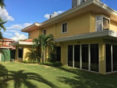 Espectacular casa en Costa del Este