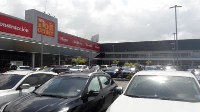 Se Alquila Local Comercial de 835M2 en Villa Zaita Mall