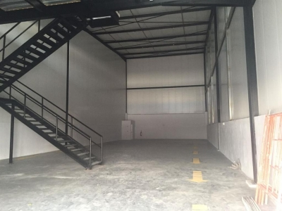 Galera generando retorno en Tocumen Warehouse
