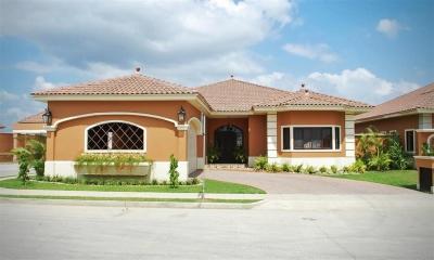 Hermosa casa en alquiler en Costa Sur