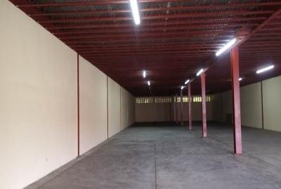 Amplia galera ubicada en El Crisol