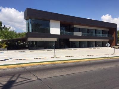 Local en Planta Baja en Santa Elena Strip