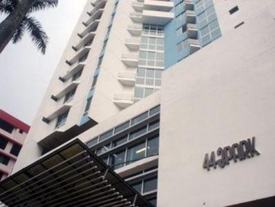 Alquilo Apartamento Amoblado en PH 44 & Park, Bellavista 18-4598**GG**