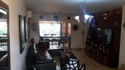 Vendo Casa Confortable en PH Everest, Brisas del Golf 18-4709**GG**