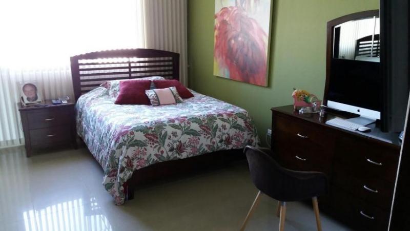 Vendo Apartamento Espectacular en Galería Uno, Obarrio 18-1258**GG**