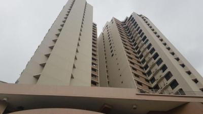 Vendo Apartamento Céntrico en PH Torres Ebelle, Marbella 17-7031**GG**