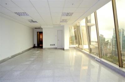 Oficina esquinera en P.H Twist Tower