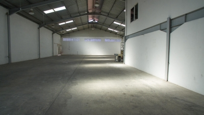 18-4883 AF Amplia galera se vende en Tocumen