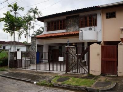 Amplia Casa a la venta en Dos Mares