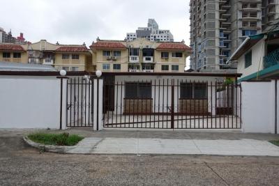 18-450 AF En Hato Pintado se vende amplia casa