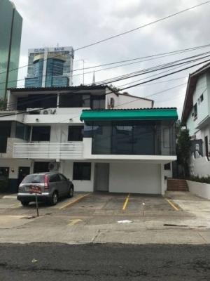 Casa comercial en alquiler en Obarrio