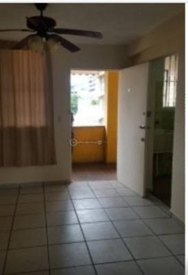 Se alquila apartamento entre Calle 50 y Obarrio