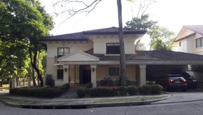 19-627 Apartamento en alquiler 515m2 en Ancón Jack