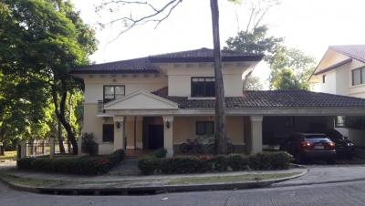 YG (19-627) Se alquila casa espectacular.