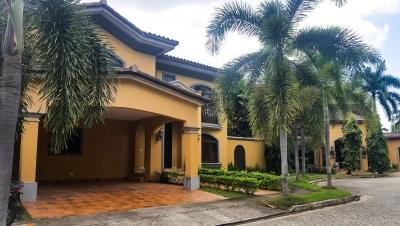 Alquiler de Casa en Costa del Este 19-321 (YG)