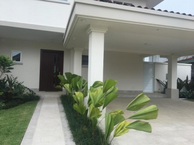 19-826 casa alquiler 362  m2 en santa maría  jack