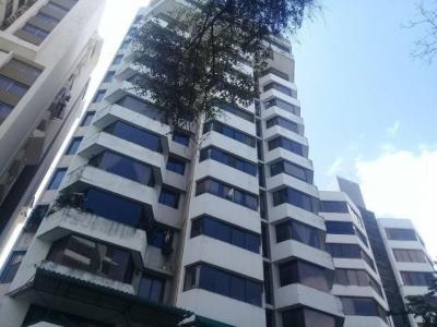 Vendo Apartamento Amoblado en PH Las Hadas, Punta Paitilla 18-352**GG**