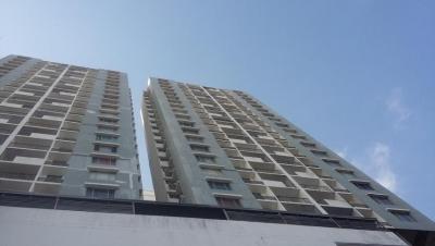 Vendo Apartamento Confortable en PH Plaza Valencia, Vía España 18-5272**GG**