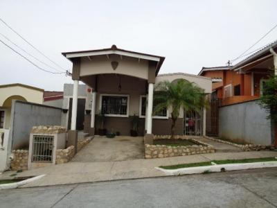 Vendo hermosa casa amoblada en Villa Bella, Las Cumbres, #16-4638 **GG**