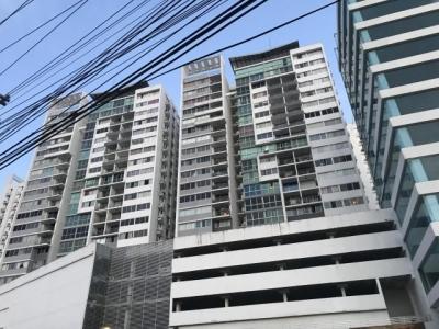 Vendo Apartamento Amoblado en PH Central Park, Transístmica 18-7509**GG**