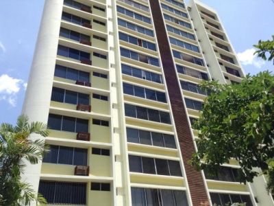 Vendo Cómodo Apartamento en PH Le Baron II, El Cangrejo 18-2316**GG**