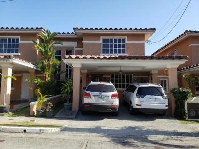 Vendo Casa #19-1195 **HH** en Condado del Rey