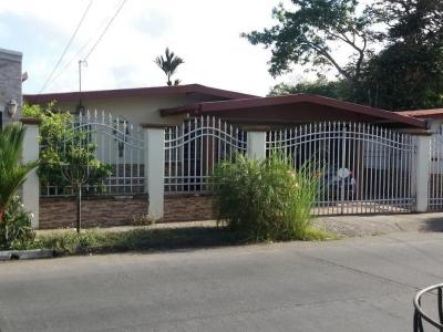 Vendo Casa Acogedora en Urbanización El Rocío, Las Cumbres 19-5540**GG**