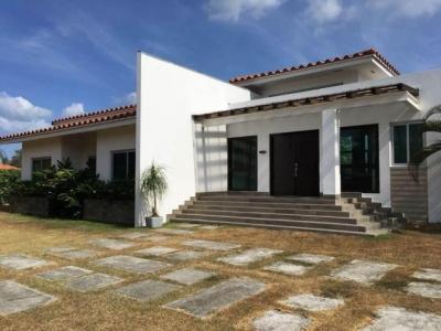 Vendo Casa Amoblada en PH Alcazar Park, Chame 17-1225**GG**