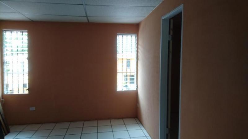 Vendo Casa Espaciosa en Condado del Rey 18-1656**GG**