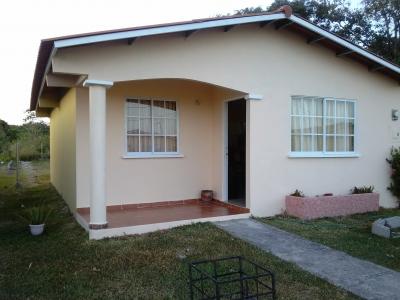 Casa en venta 3 cuartos 2 baños
