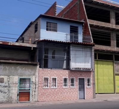 Vendo/Alquilo Casa Residencial y Comercial 3 Niveles. Puerto La Cruz. 432m2.