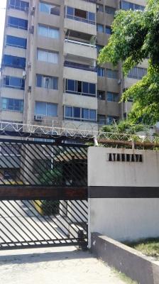 Apartamento en Edificio Atarraya
