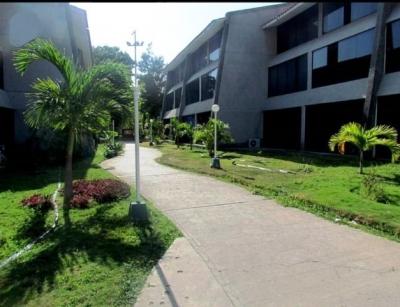 Vendo Apartamento Duplex. Doral Beach. Puerto La Cruz. 3 Habitaciones. 95m2