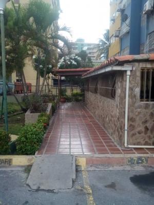 Chimana Grande. Apartamento en venta, Pto la Cruz.