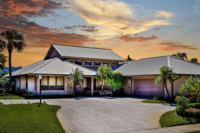 Awesome Waterfront Home in North Palm Beach
