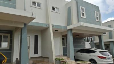 Elegante Casa en Brisas del Golf   vl  5265  (667.63711)