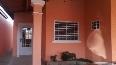 Alquilo/vendo casa en Las Praderas de San Antonio