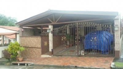 Vendo hermosa casa en Las Cumbres PH Valles del Lago 3 alcobas#17-5608**GG**