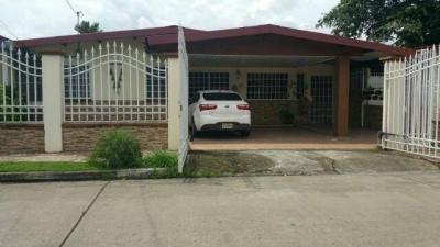Vendo hermosa casa en Urbanización El Rocío, Las Cumbres #17-7115**GG**