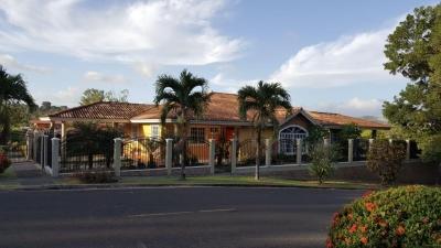casa venta en villa zaita 18-1351 YG