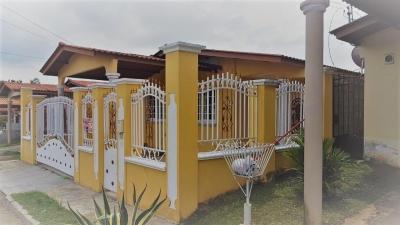 casa venta en brisas del golf 18-5984 YG