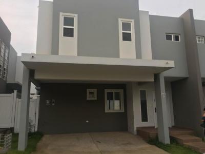 18-7358 AF Cómoda casa en venta en Brisas del Golf