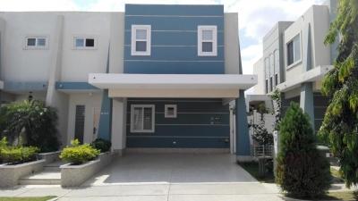 18-1658 AF Casa amoblada en Brisas del Golf a la venta