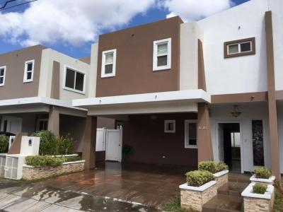 17-881 AF Hermosa casa en Brisas del Golf a la venta