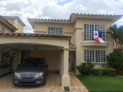19-827 casa alquiler 300m2 en Condado del Rey jack