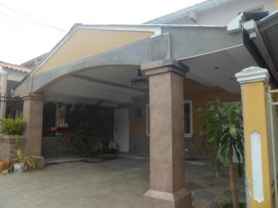 Vendo Casa Espectacular en Colinas de Cerro Viento 18-3845**GG**