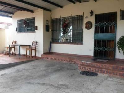 Vendo Casa Confortable en Cerro Viento 18-8612**GG**